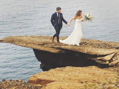 WHIMSICAL CLIFFSIDE ELOPEMENT IN ICELAND